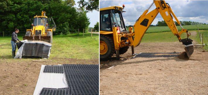 Udlægning af plastriste på ukrudtsdug og efterfyldning med grus ved hjælp af en rendegraver