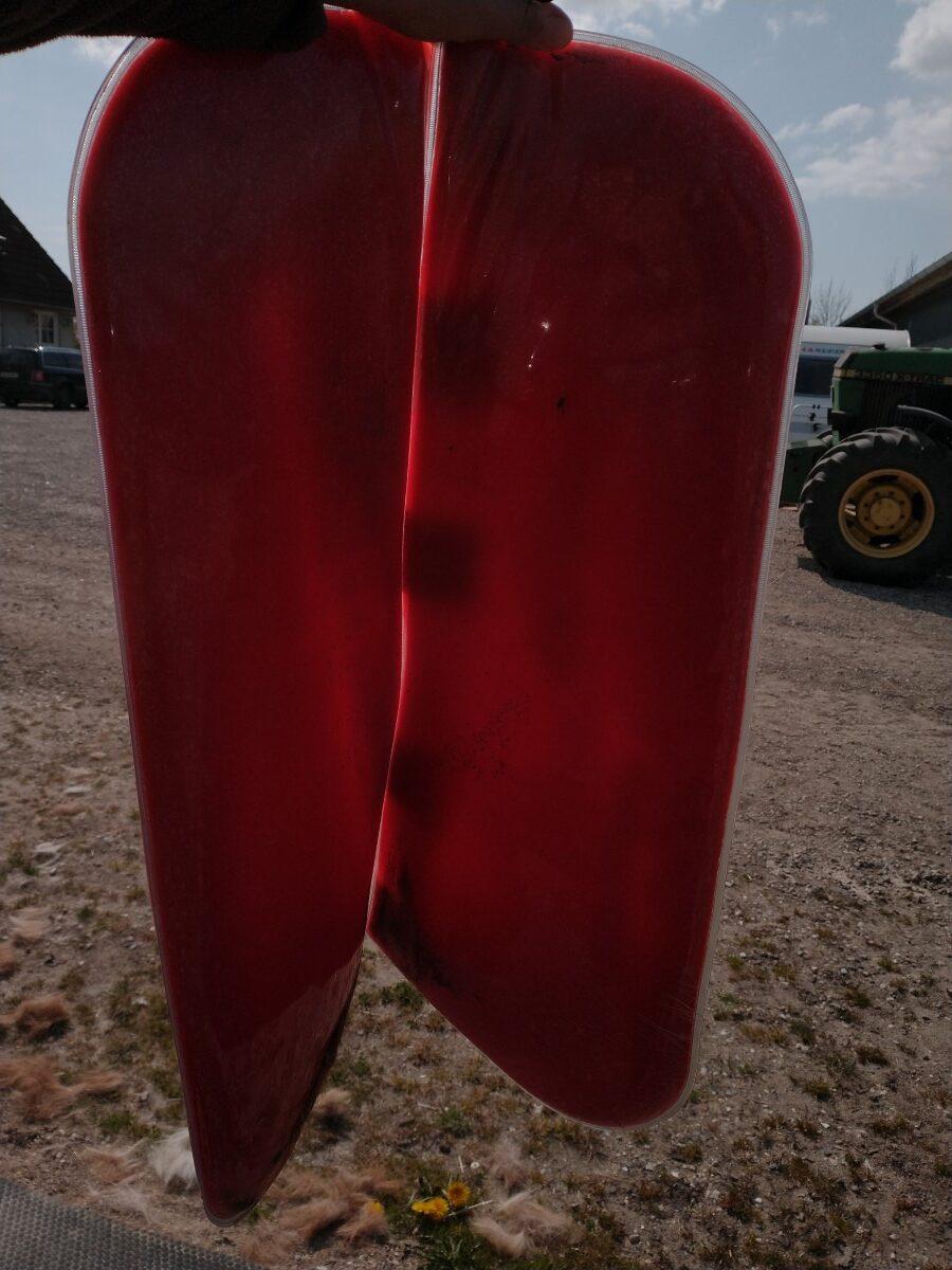 Port Lewis Impression Pad holdt op mod lyset efter test af Cozy bomløs sadel og Equest trykfordelende underlag